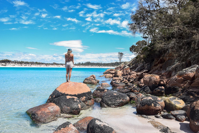 Tasmanie plage de Wineglass Bay dans le parc national de Freycinet