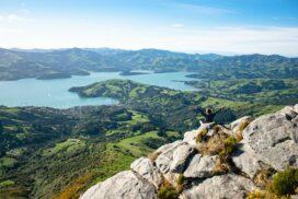 Akaroa sur l'île du Sud de Nouvelle-Zélande : une invitation au voyage