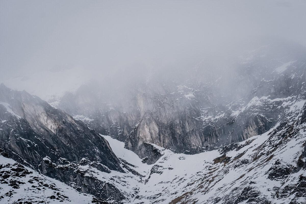 montagnes des pyrénées dans le val d'azun