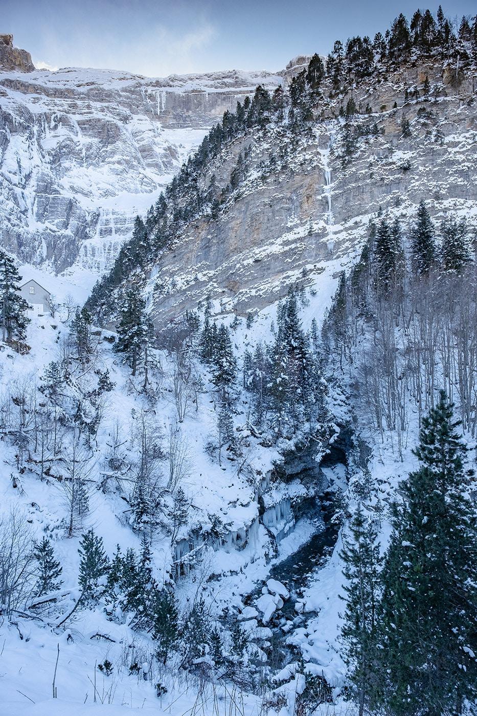 Le cirque de Gavarnie en hiver