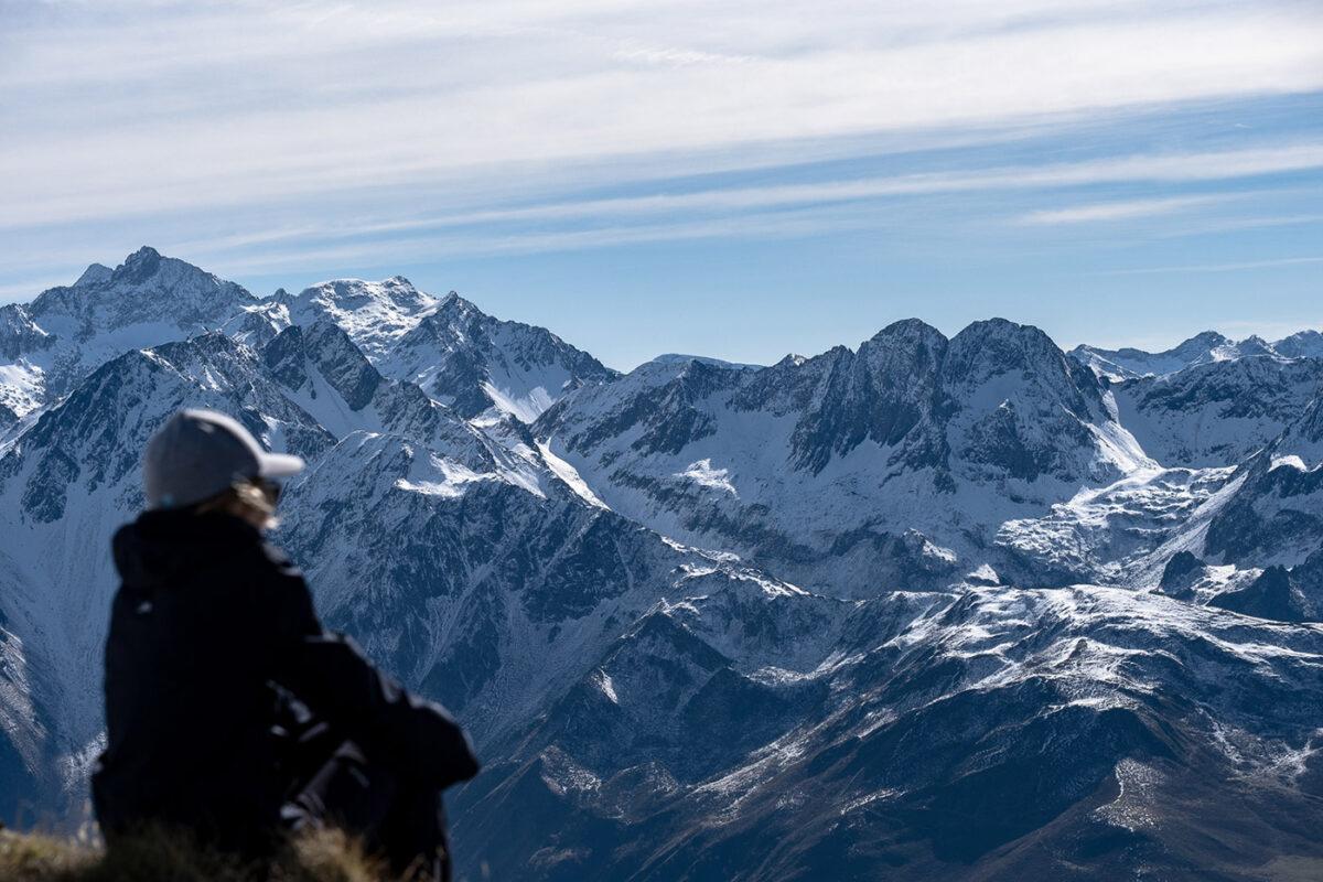 Paysage depuis sommet Hautacam dans les Hautes-Pyrénées. Blog de voyage et de randonnée