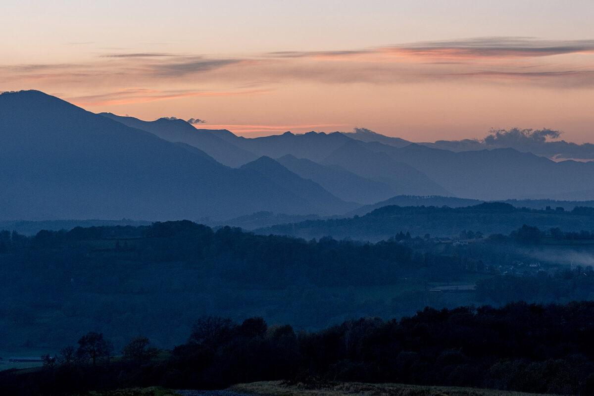Paysage des Hautes Pyrénées au coucher du soleil