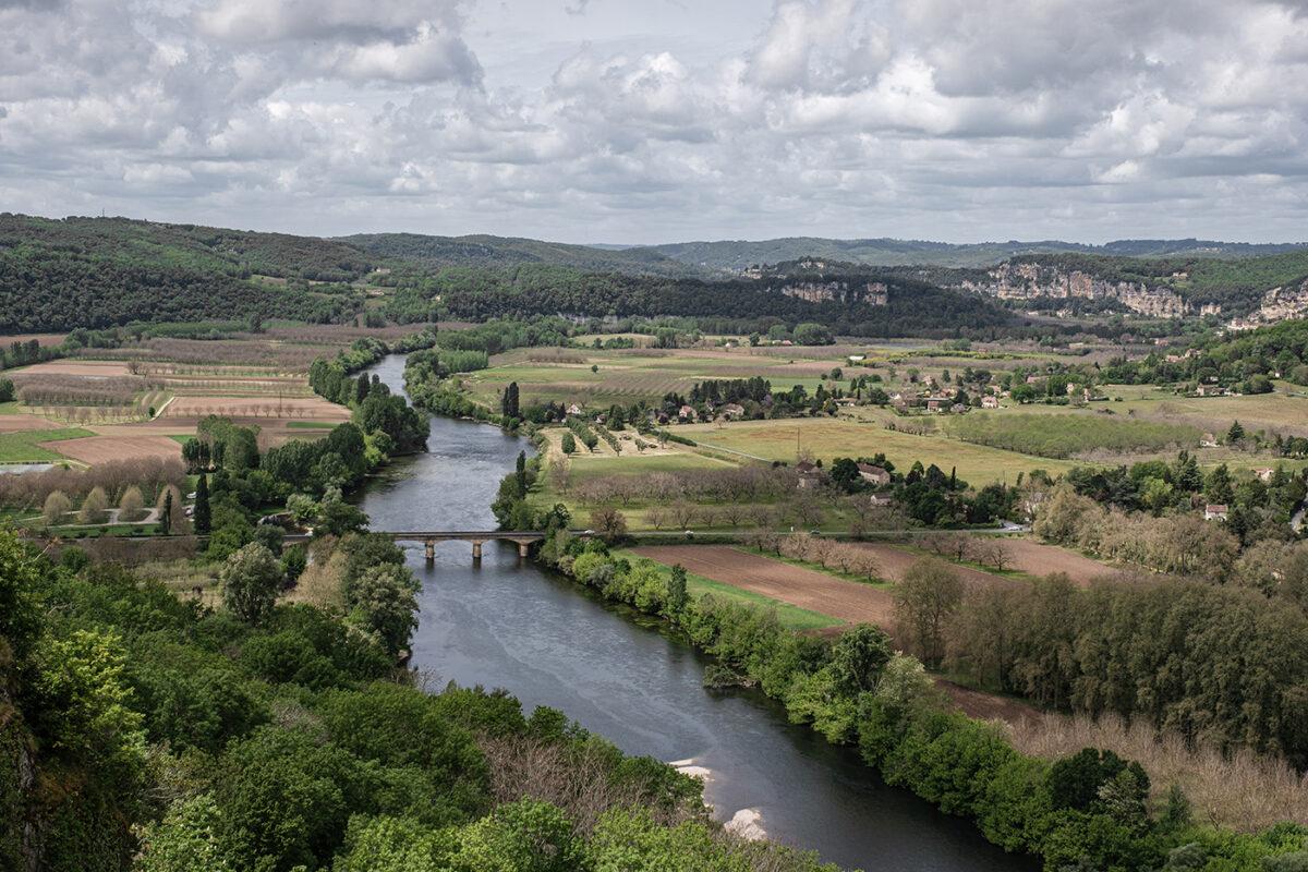 Vue sur la vallée de la Dordogne depuis le village de Domme