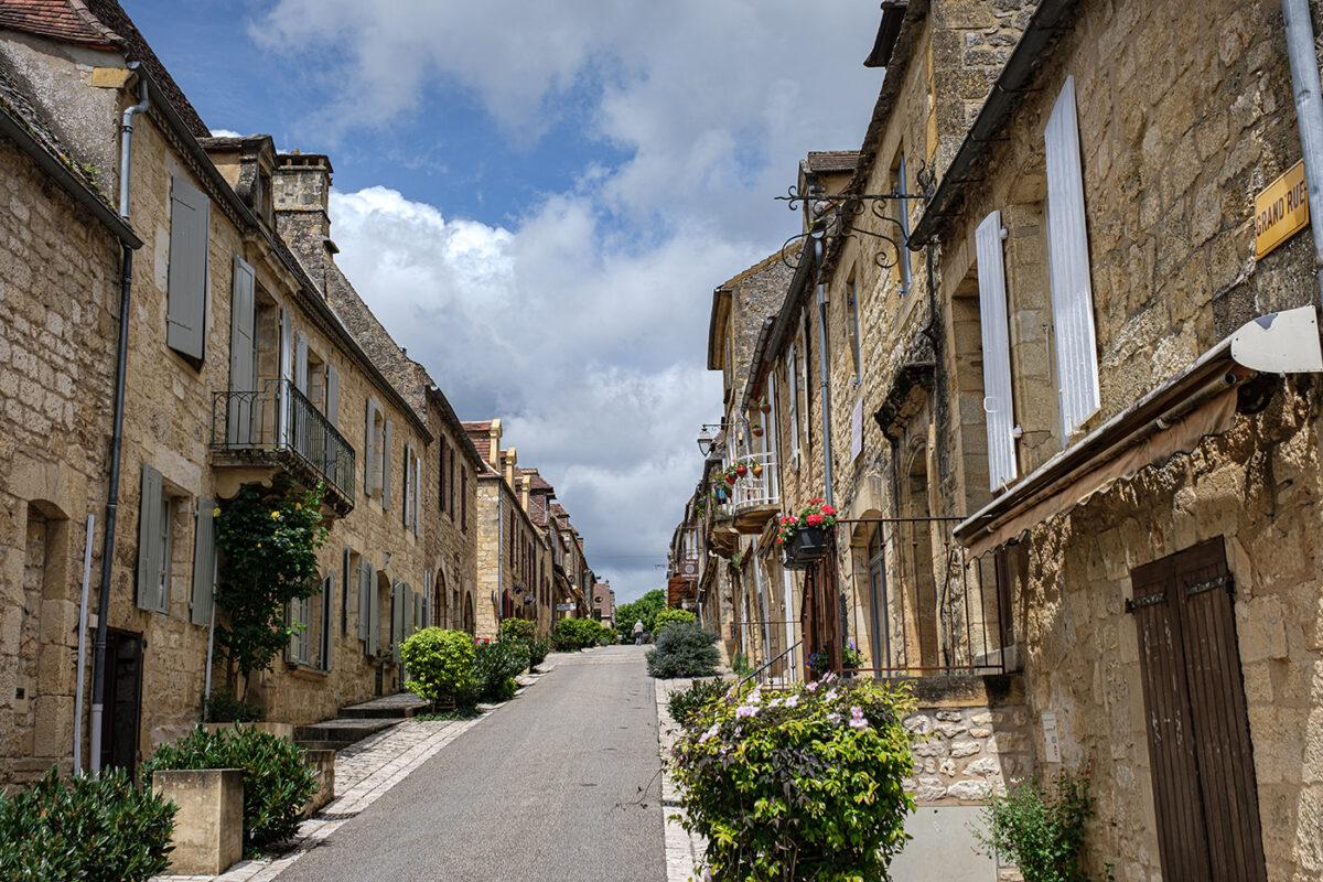 Rue de Domme en Dordogne