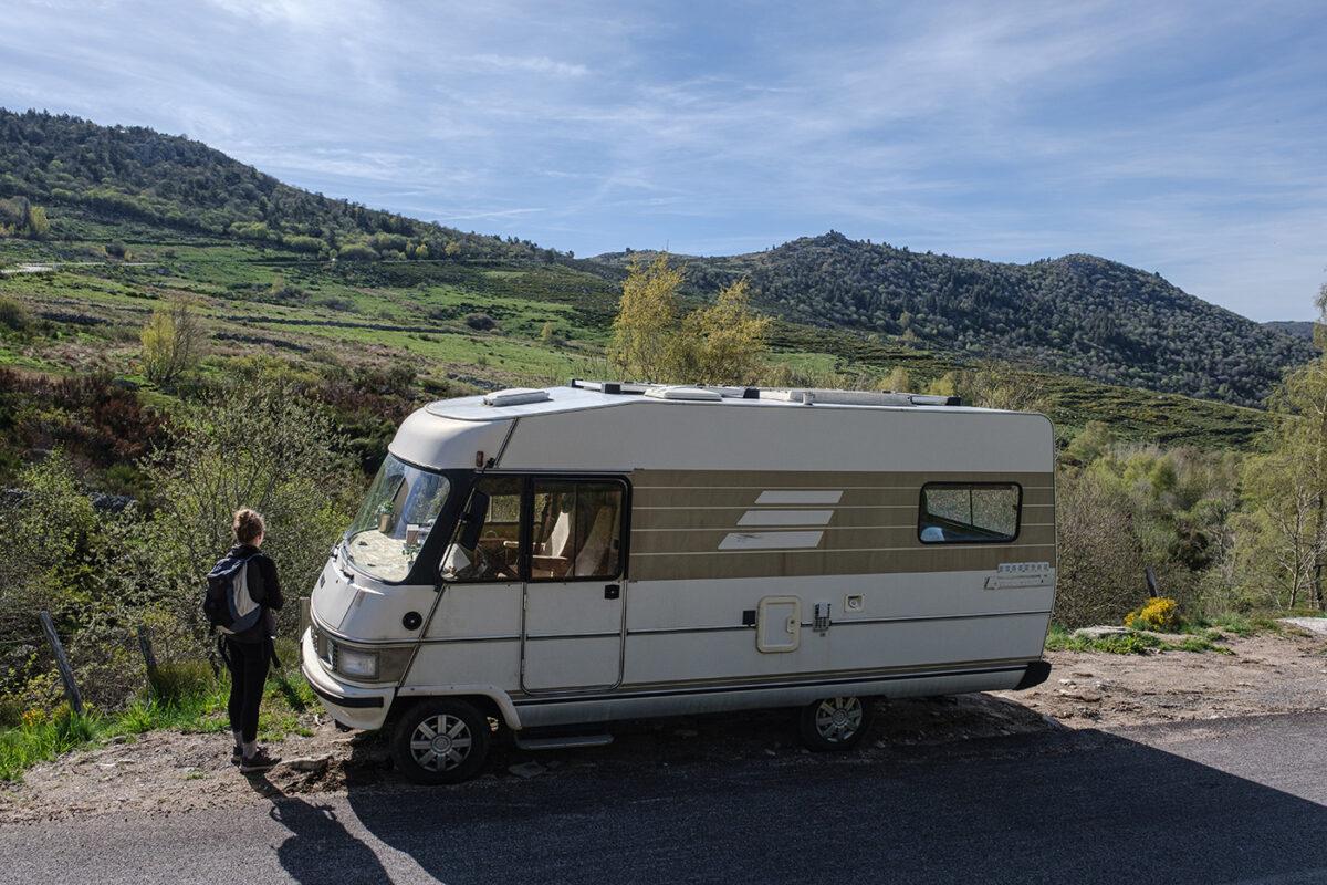 Parking départ de la randonnée du Mont Lozère à Finiels