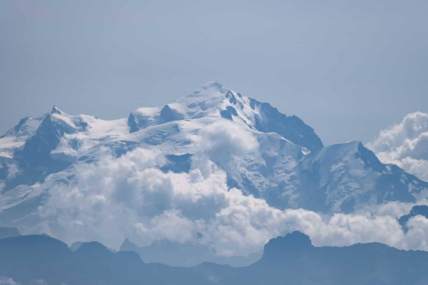 Vue sur le mont blanc depuis le Crêt de la Neige