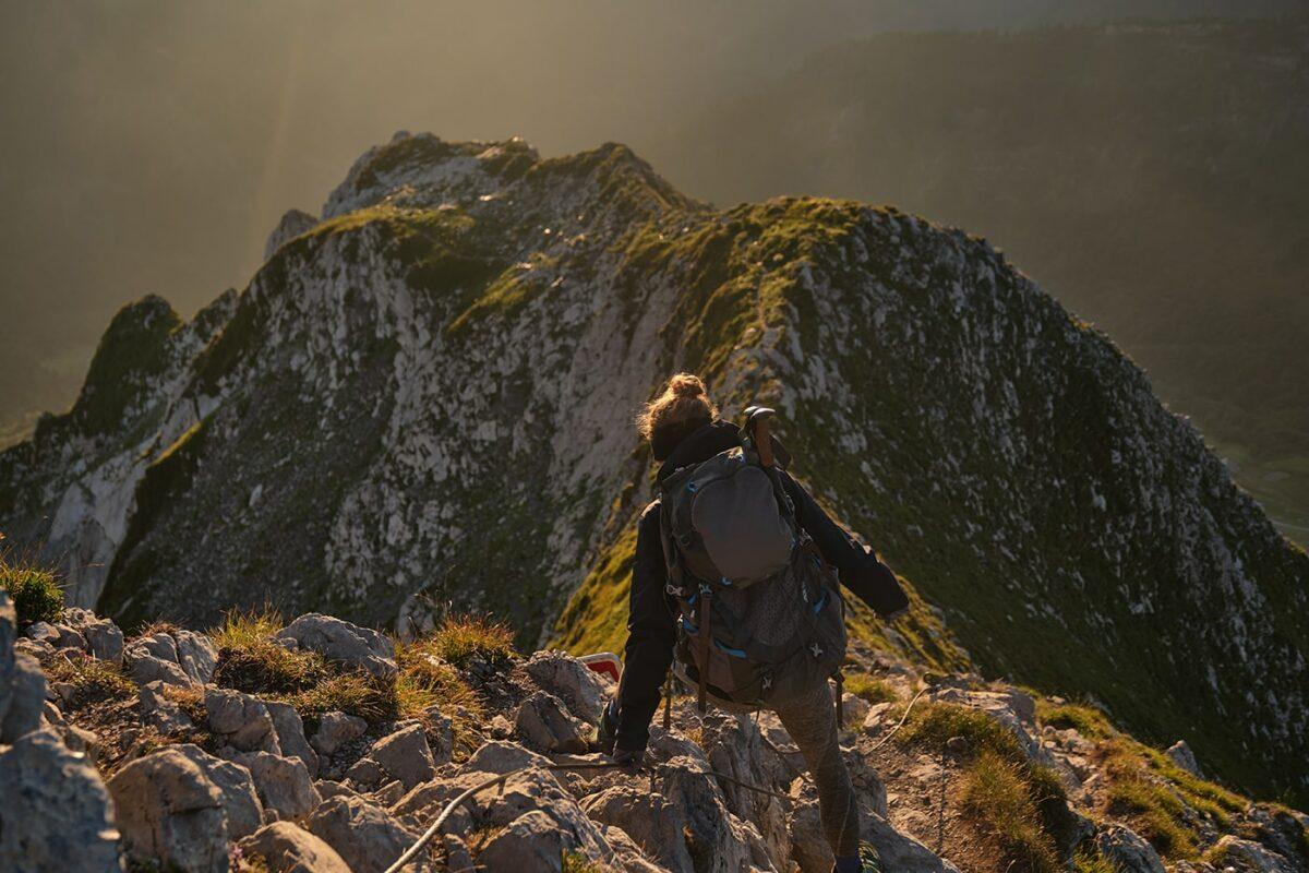 Passage aérien dans la randonnée du Mont Charvin