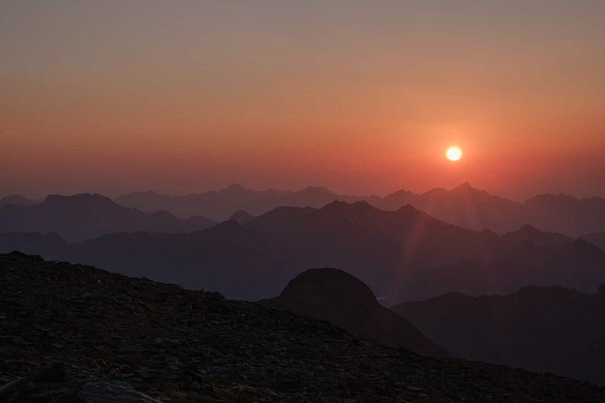 Coucher de soleil depuis le pic du Montcalm