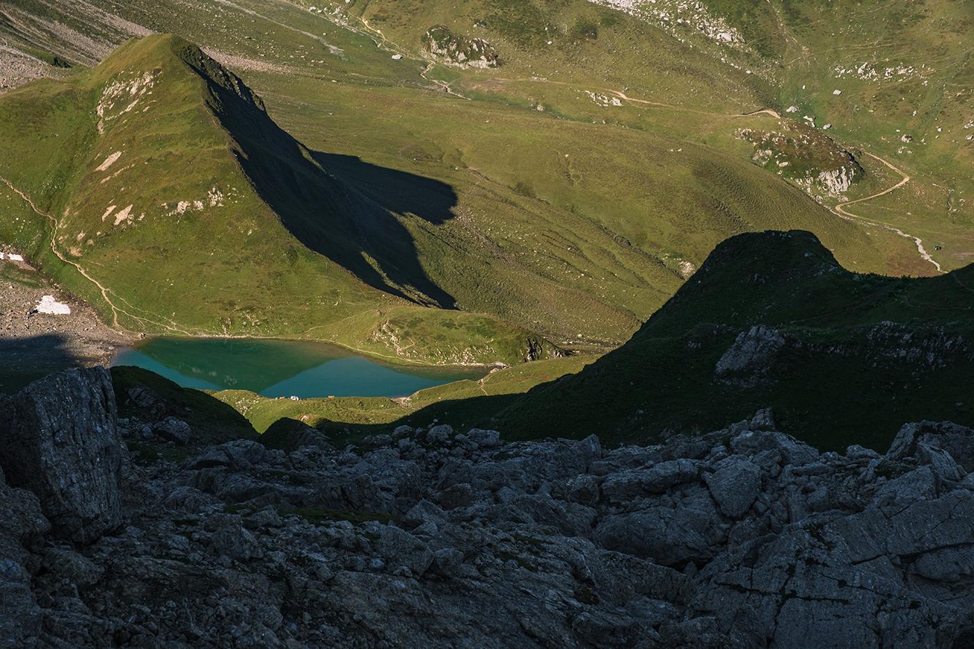 Le lac d'Amour en venant de la Pierra Menta et du refuge de Presset