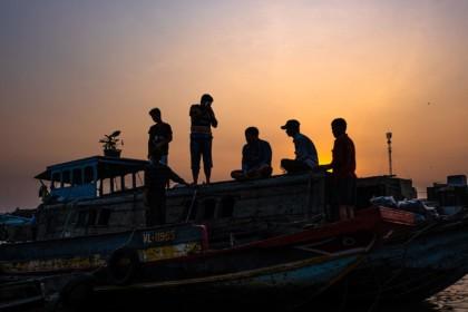 Marché flottant de Can Tho au petit matin